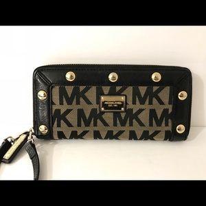 Michael Kors vintage signature wallet studded